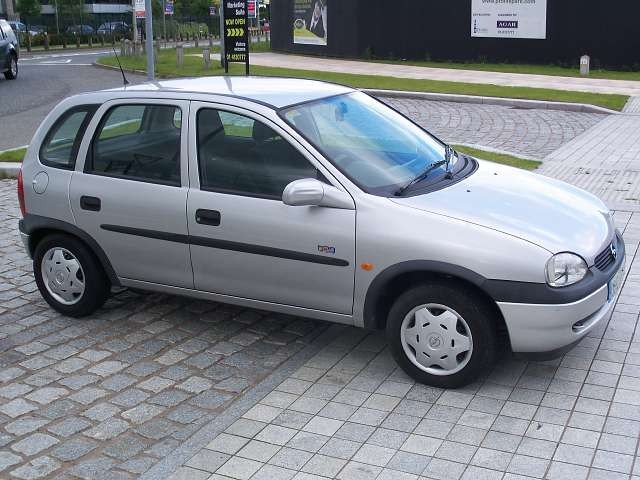 opel corsa viva 1 2 xe 5 dr very clean 1000sads