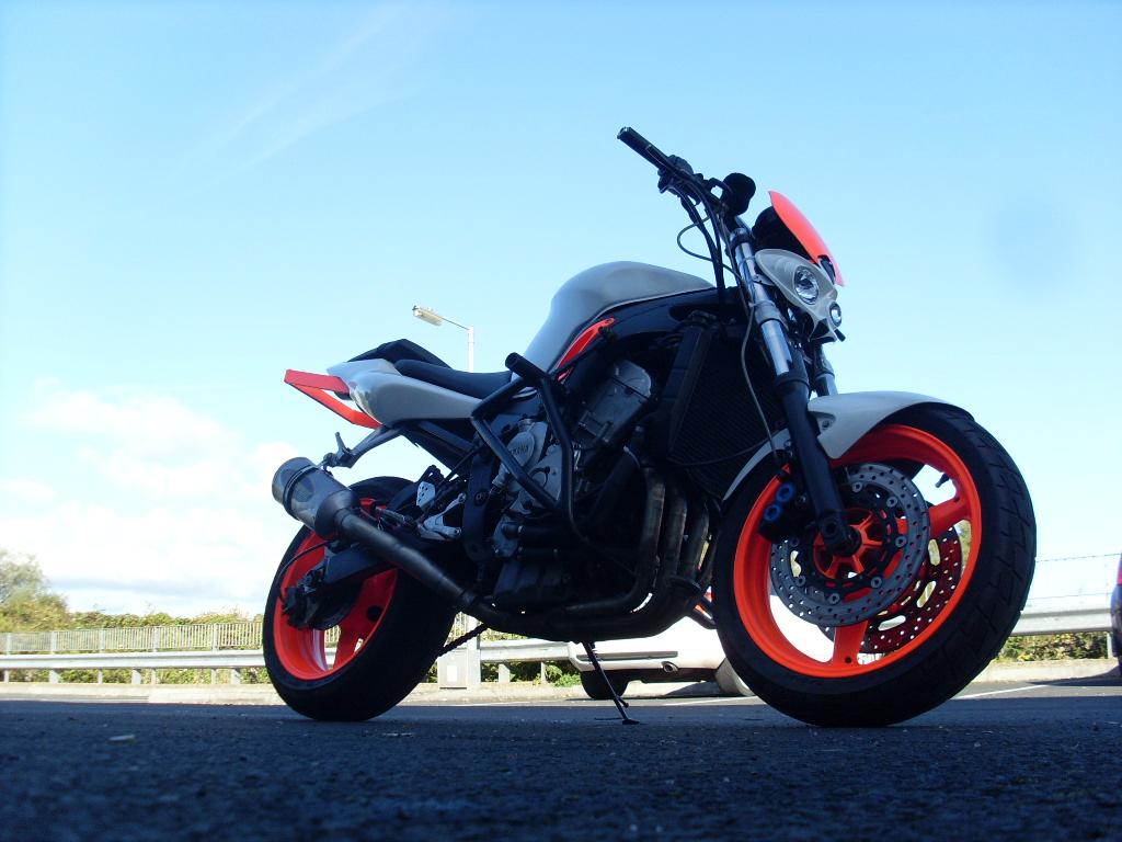 Parduodu yamaha r6 stunt bike, arba keiciu i automobili ...
