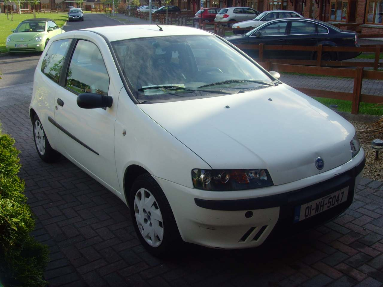 01 fiat punto diesel 2 year nct tax left hand drive 1000sads. Black Bedroom Furniture Sets. Home Design Ideas
