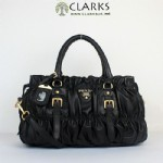 https://www.facebook.com/pages/Clothes-Shoes-Handbags-Wallets-Jewerlry/169767513172247?ref=hl