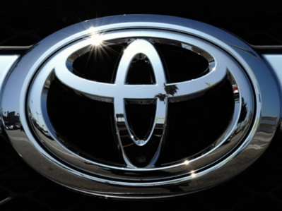 Toyota Corolla Verso automobiliu dalys