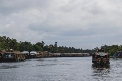 Enjoy the breathtaking backwater experience kumarakom houseboat holidays