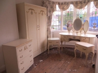 Parduodu prabangius klasikinius Italiskus baldus is Anglijos