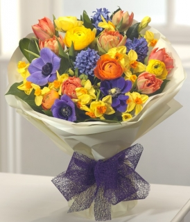 Send Mothers Day Gifts Ireland from Flower Shop Dublin